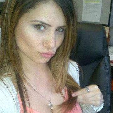 julie thornhill, 30, Denver, United States