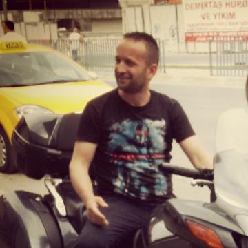 Yüksel Yilmaz, 36, Istanbul, Turkey