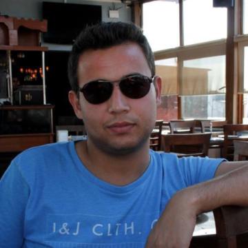 sezgin, 30, Istanbul, Turkey