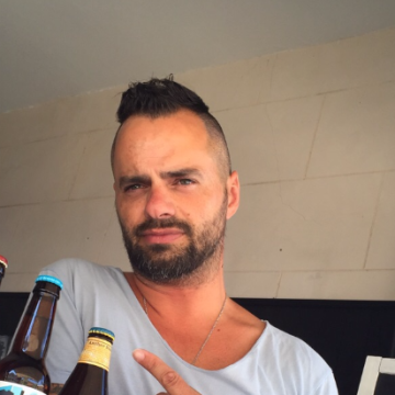 simone, 41, Palma, Spain