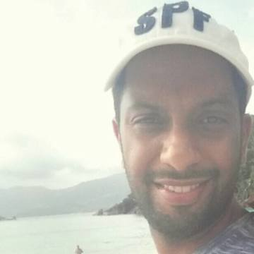 Fares, 33, Abu Dhabi, United Arab Emirates