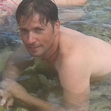 Miki, 36, Frosinone, Italy