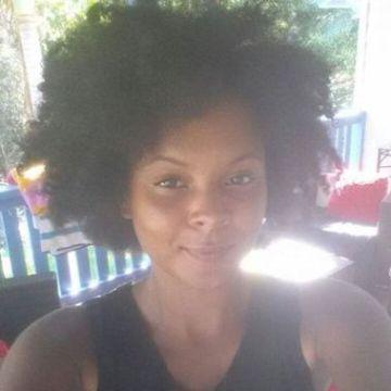 Rochelle Bennett, 29, Brisbane, Australia