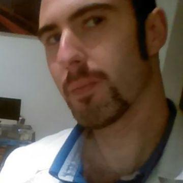 roberto, 32, Santander, Spain