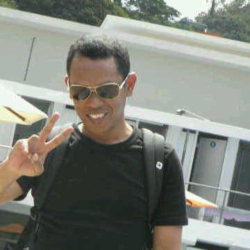 Lexi Matatula, 39, Ambon, Indonesia