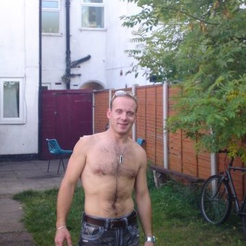 juras, 33, Bracknell, United Kingdom