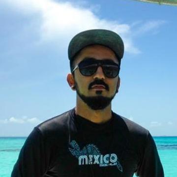 Julio Tovaar, 30, Playa Del Carmen, Mexico