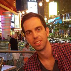 Julien, 33, Paris, France
