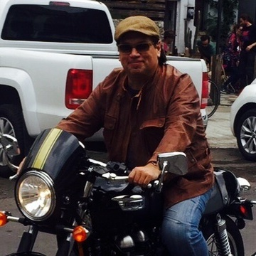 Luis VL, 48, Guadalajara, Mexico