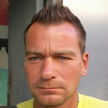 Benjamin Pellegrina, 40, Cala Ratjada, Spain