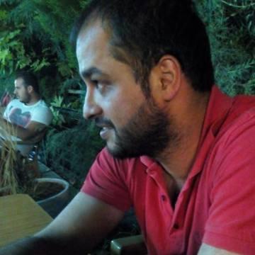 Ercan, 33, Izmir, Turkey