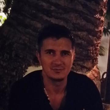Catalin Motoroiu, 32, Palma, Spain