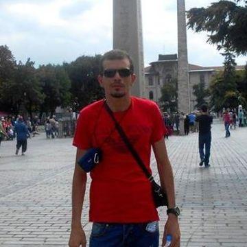 Lebi, 30, Blida, Algeria
