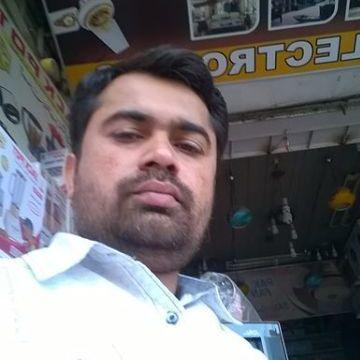 salman siddiqui, 33, Karachi, Pakistan