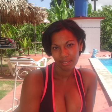 Yindra, 26, La Habana, Cuba