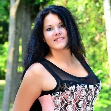 Elena, 27, Odesa, Ukraine