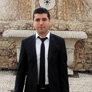 Taha, 30, Istanbul, Turkey