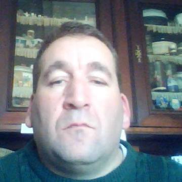 Sebastien Giraud, 43, Aigonnay, France