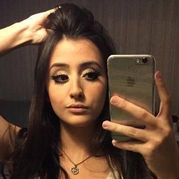 Melissa Arson, 25, Los Angeles, United States