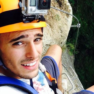 Alessio , 23, Taranto, Italy