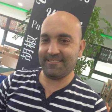 Gabriel , 41, El Vendrell, Spain