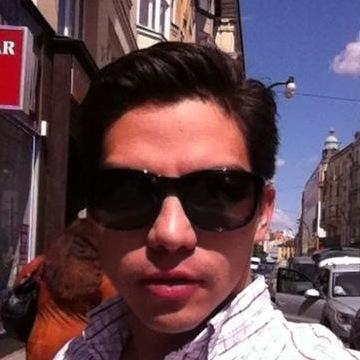 christian, 29, Queretaro, Mexico