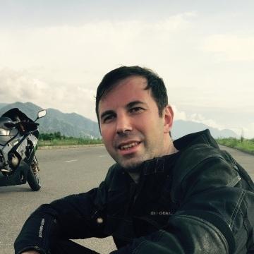 Олег, 37, Batumi, Georgia