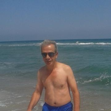 Secati Eksioglu, 56, Istanbul, Turkey