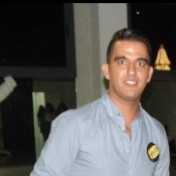 Houssine, 35, Hospitalet, Spain