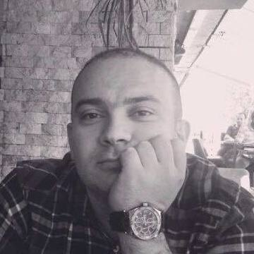Kahraman Eyup, 38, Istanbul, Turkey