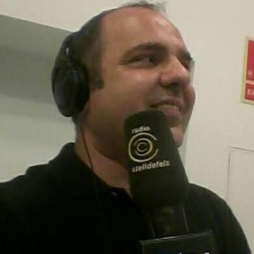Raul Molina , 44, Barcelona, Spain