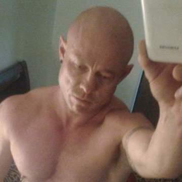 Denny Singleton, 39, Brisbane, Australia
