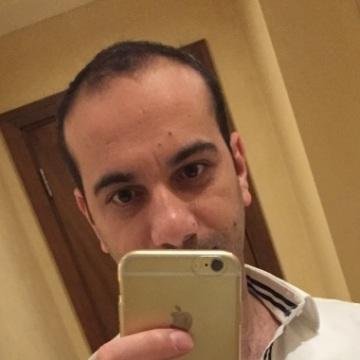 Tayfun, 33, Gaziantep, Turkey