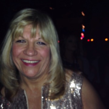 Beverley, 57, Worcester, United Kingdom