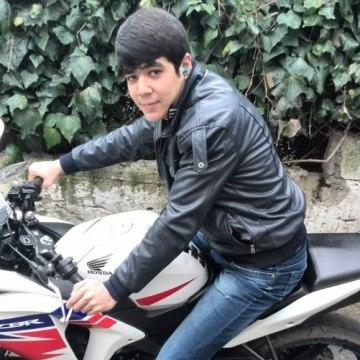 Bayram Piriyew, 21, Istanbul, Turkey