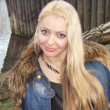 Ксю, 37, Odessa, Ukraine