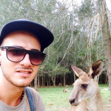 Nick, 27, Rome, Italy