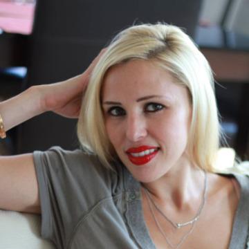 Dilara Sevcan, 25, Izmir, Turkey