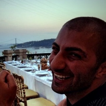 Metin , 35, Istanbul, Turkey