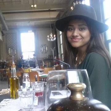 Chante Kyara, 20, Rotterdam, The Netherlands