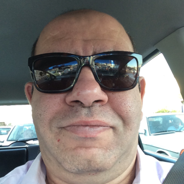 Raed, 44, Abu Dhabi, United Arab Emirates