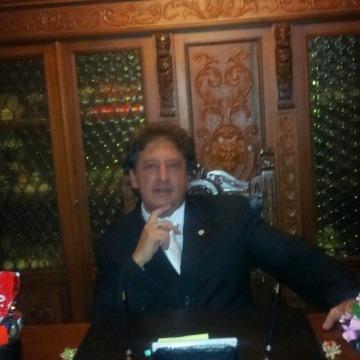 Giacomo, 51, Catania, Italy