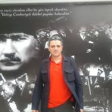 Erdal, 41, Istanbul, Turkey
