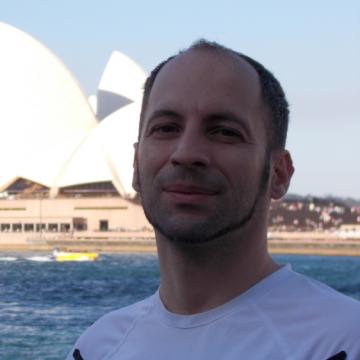 Mariano, 36, Genova, Italy