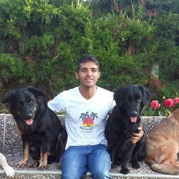 Cesar Londoño, 35, Medellin, Colombia
