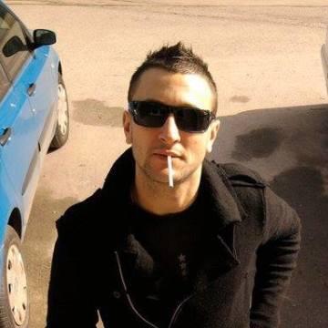 milos, 35, Salerno, Italy