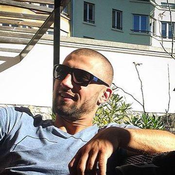 JJ EL, 31, Paris, France