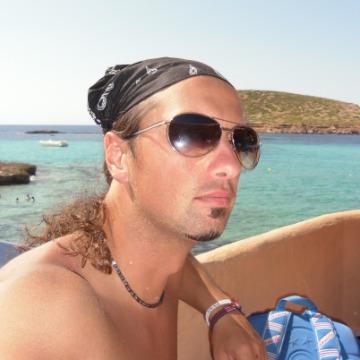 Valerio, 41, Novara, Italy
