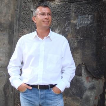 Hakan Yener, 39, Antalya, Turkey