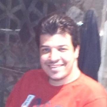 Mahmoud, 28, Cairo, Egypt
